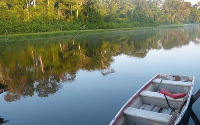 Amazone, Boat